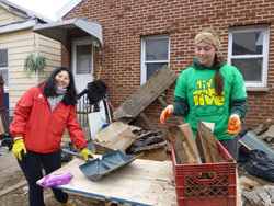 Give Where You Live: LIU Post Students Volunteer During Spring Break